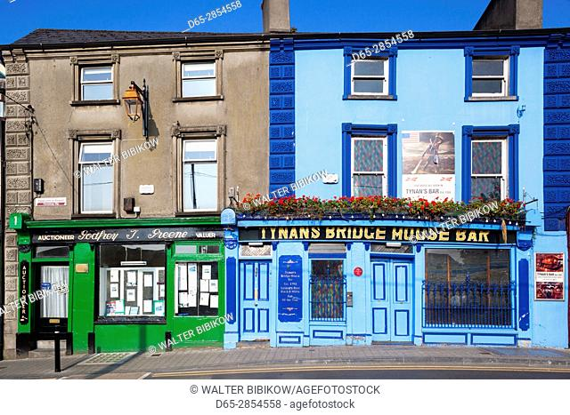 Ireland, County Kilkenny, Kilkenny City, Tynan's Bridge House Pub, exterior