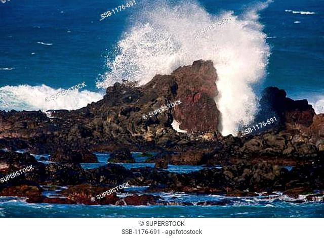 Waves crashing at a coast, Hookipa Beach, Maui, Hawaii, USA