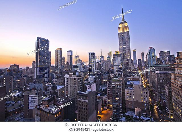 Empire State Building, Midtown skyline, at right Fifth Avenue, Manhattan, New York City, New York, USA
