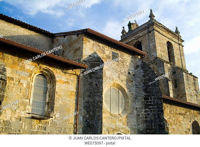 Gothic church of Santa Maria de la Asuncion. Puebla Vieja (historic town centre). Laredo. Cantabria