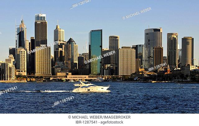 View of Sydney Cove, yacht off Circular Quay, port, skyline of Sydney, Central Business District, Sydney, New South Wales, Australia