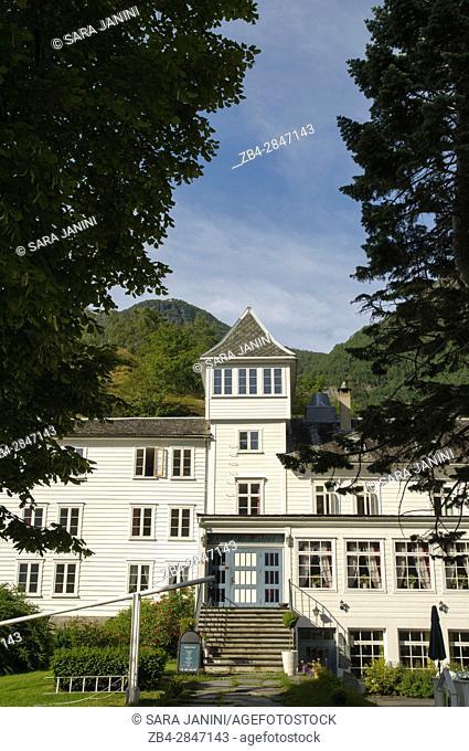 Fretheim Hotel, Flåm, a village in Flåmsdalen, at the inner end of the Aurlandsfjorden, a branch of Sognefjorden, Sogn og Fjordane, Fjords, Norway, Europe