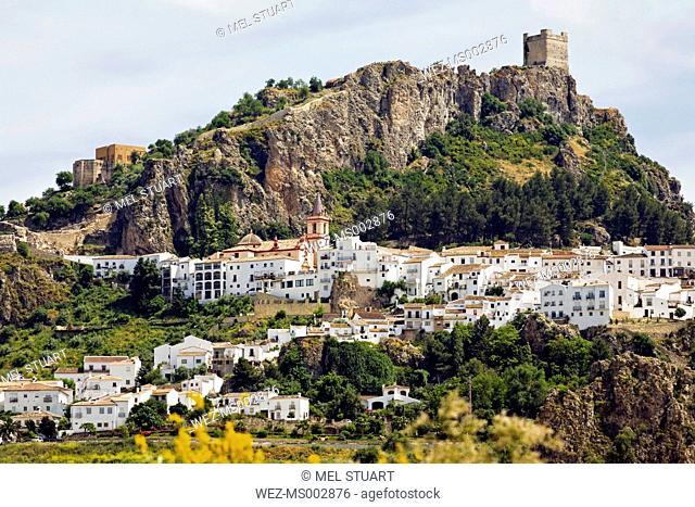Spain, Andalusia, White mountain village of Zahara de la Sierra