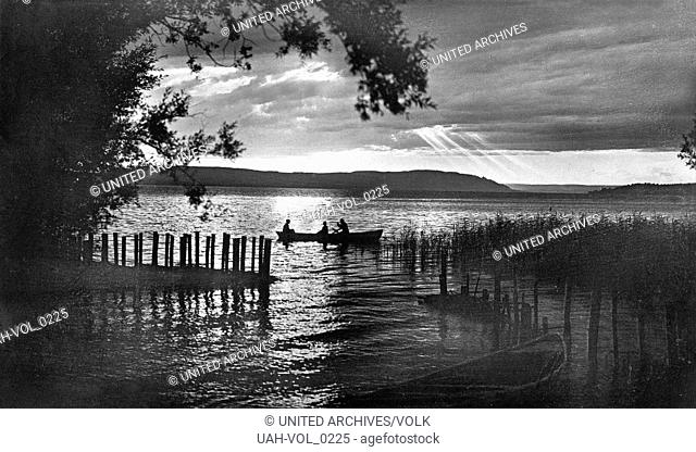 Abendstimmung am Bodensee, Deutschland 1930er Jahre. Evening over Lake Constance, Germany 1930s