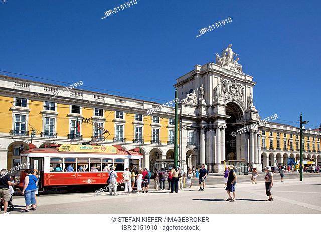 Arco da Rua Augusta Archway with the Ministry of Justice, Ministerio da Justica, on Praca do Comercio square in the historic district of Baixa in Lisbon