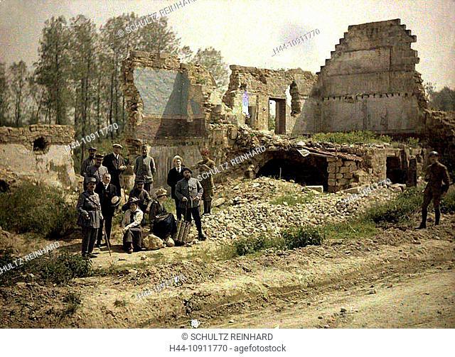War, Europe, world war I, 1917, Europe, world war, color photo, Autochrome, F. Cuville, western front, department Aisne, France, Vauxzezis, soldiers, actors