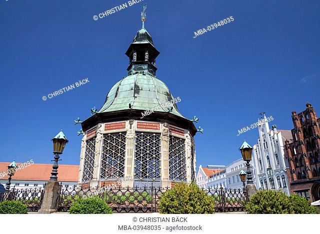 The Wismarer water art on the marketplace, Hanseatic town Wismar, Mecklenburg, Mecklenburg-West Pomerania, Germany