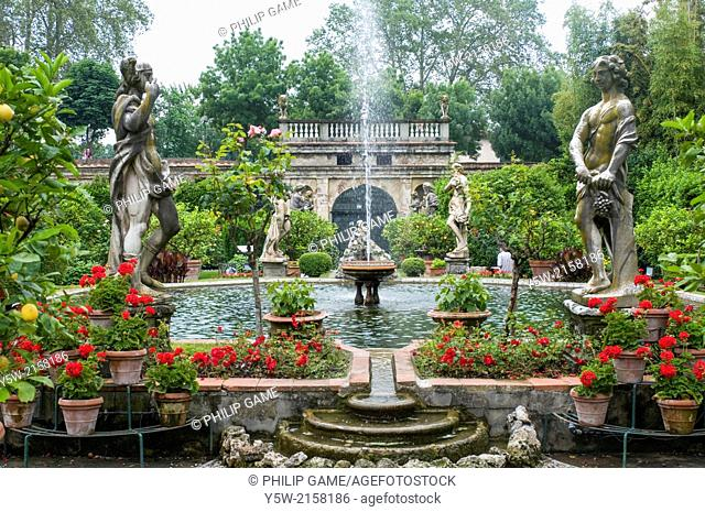 Gardens of the Palazzo Pfanner, Lucca, Italy