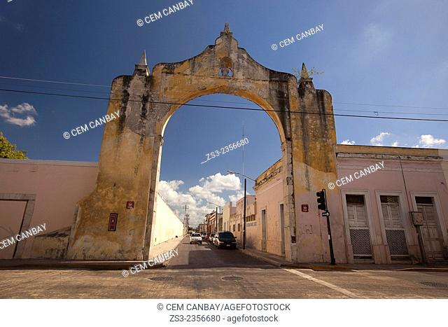 Arch and Quarter of Dragons, Merida, Yucatan Province, Mexico, Central America