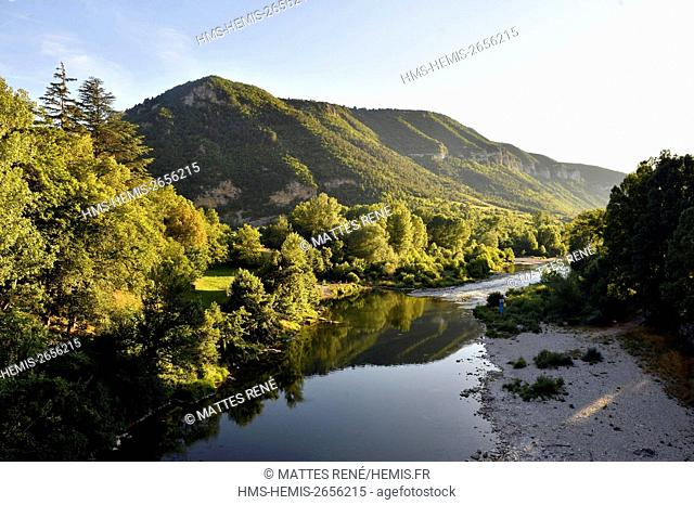 France, Lozere, the Causses and the Cevennes, Mediterranean agro pastoral cultural landscape, listed as World Heritage by UNESCO, the Gorges du Tarn, Le Rozier