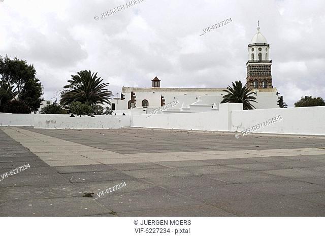 04.03.2017, Spain, Lanzarote: emty street Free space . - L, Spain, 04/03/2017