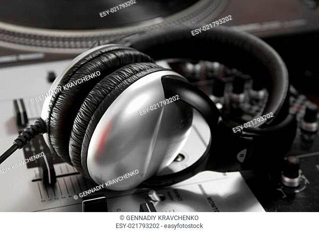 Dynamic closed headphones on mixer