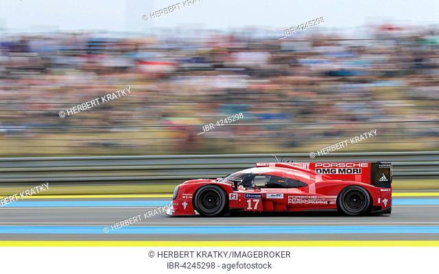 Porsche 919 Hybrid Porsche team, GER with drivers Timo Bernhard, GER, Mark Webber, AUS, and Brendon Hartley, NZL, Circuit de la Sarthe, Le Mans, France