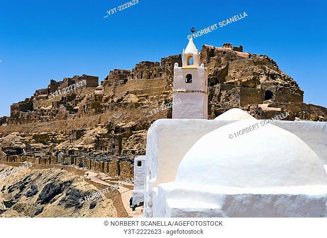 Africa, North Africa, Maghreb, South Tunisia, Governorat of Tataouine. Chenini. The troglodyte village of Chenini