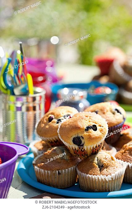 Muffins. Breakfast table sets