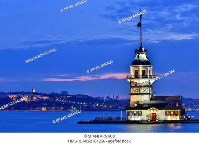 Turkey, Istanbul, Bosphorus Strait, Uskudar District, Kiz Kulesi (the Maiden's Tower)