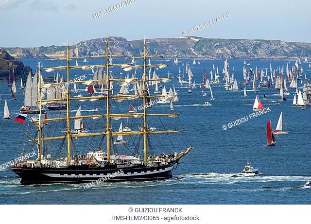France, Finistere, Brest, International Festival of the Sea, Brest 2008, the Kruzenshtern, four masted barque of 114.50 m
