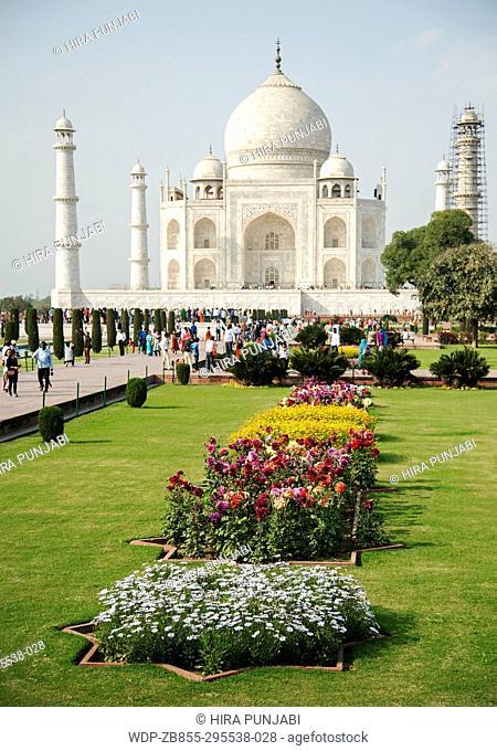 The image of Taj Mahal was taken in Agra, Uthar Pardesh, India