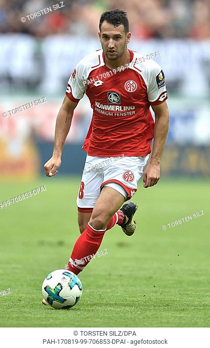 Levin Öztunali of Mainz in action during the German Bundesliga soccer match between FSV Mainz 05 and Hannover 96 in the Opel Arena in Mainz, Germany