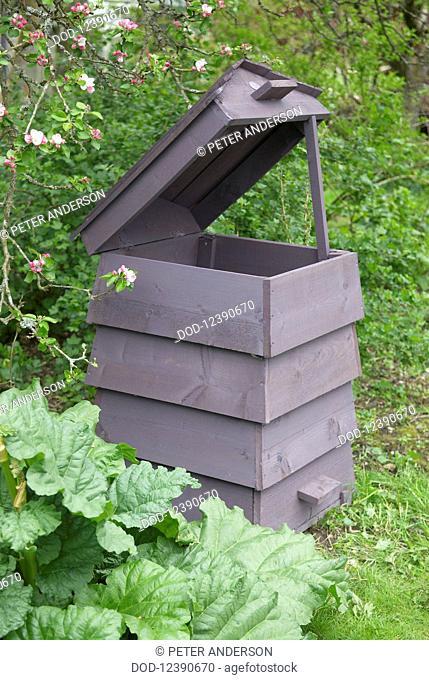Compost bin, lid open
