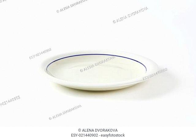 White shallow dinner plate