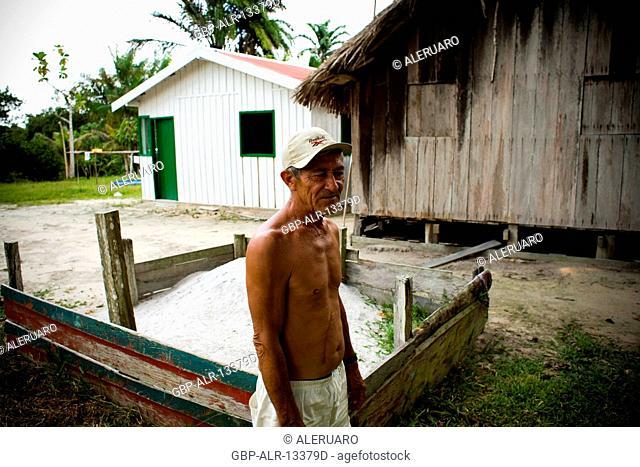 House, Man, Barreirinha Community, Macaco River, Manaus, Amazônia, Amazonas, Brazil