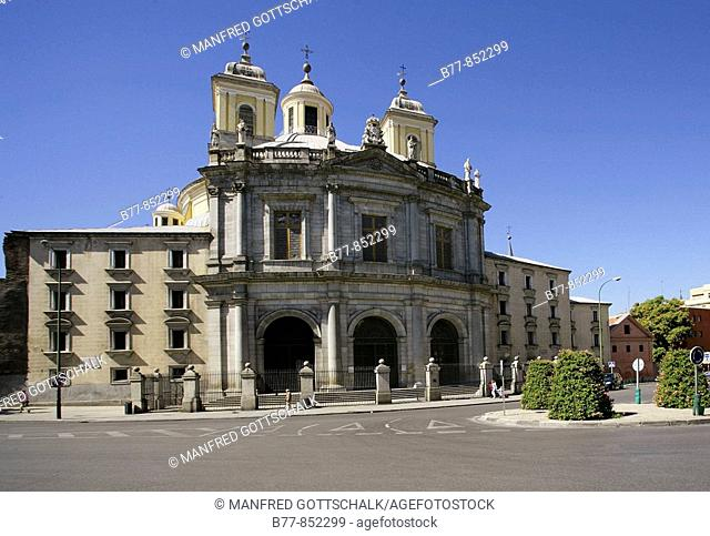 Spain, Madrid, La Latina, view of the Basilica de San Francisco El Grande with it's massive 33 metre dome