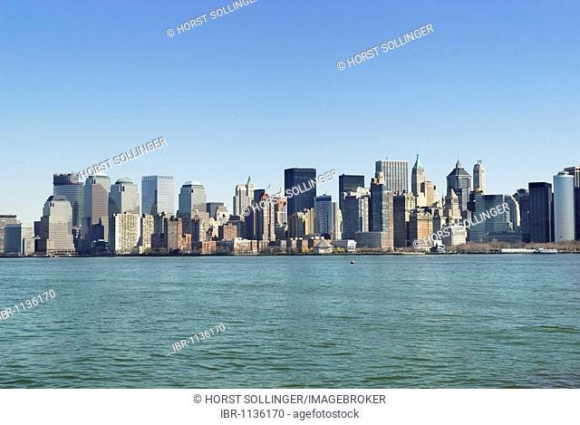 View of Financial District in Lower Manhattan across Hudson River, Manhattan, New York, USA