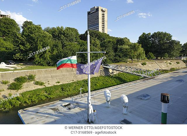 Russe, Rousse, Ruse, Bulgaria, Northern Bulgaria, Ruse at the Danube, Rousse, Russe, Danube lowlands, Grand Hotel Riga, highrise, trees, Danube bank
