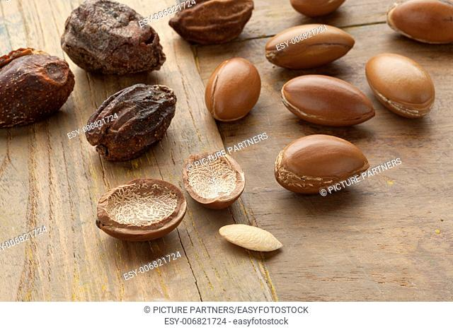 Argan nuts and nutshells