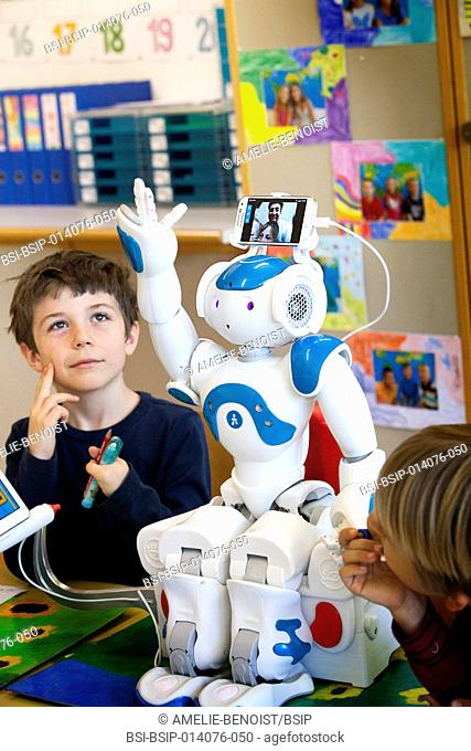 Reportage on the Avatar Kids project, which allows children and teenagers who have to be hospitalised to be present in the classroom through Nao