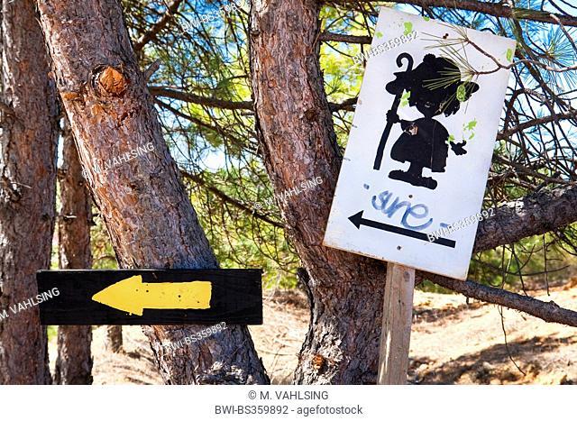 Way of St. James, direction sign near León, Spain, Castile and Leon, Valdelafuente