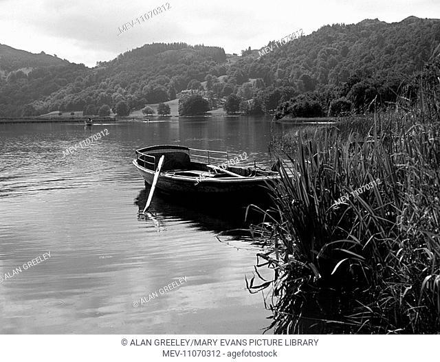Cumbria, Lake District, Grasmere Lake - rowing boat