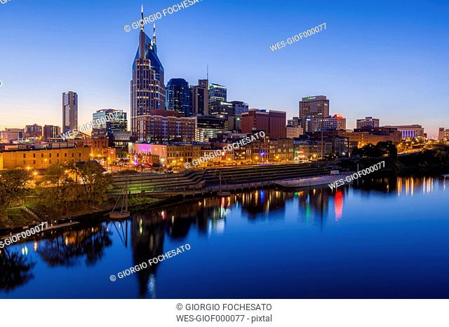 USA, Tennessee, Nashville and Cumberland river in the evening, blue hour