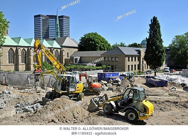 Construction site in the inner city in front of the City Hall, Essen, North Rhine-Westphalia, Germany, Europe