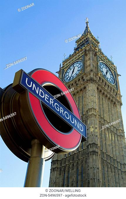 St. Stefan Turm Big Ben und U-Bahn Schild London England Europa | St Stephen's Tower Big Ben London England with underground station sign
