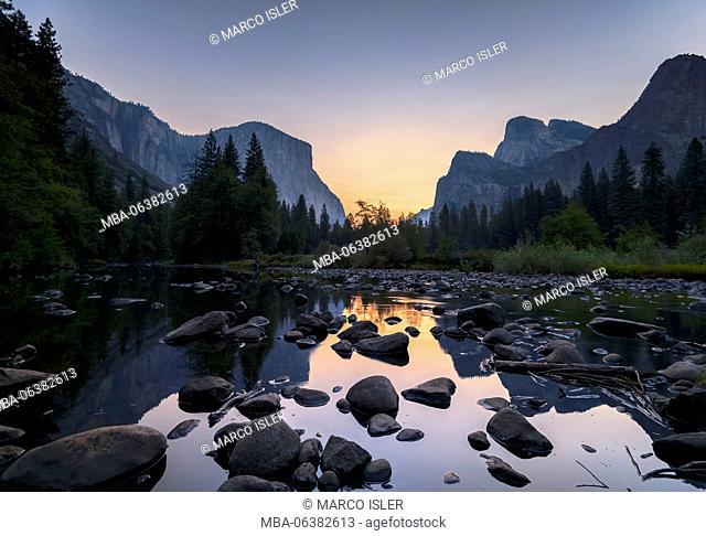Sunrise in the Merced River, the USA, California, Yosemite Valley