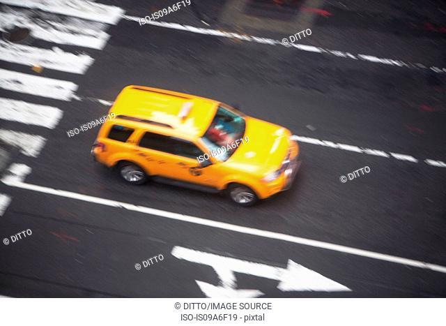 Yellow taxi cab, New York City, USA