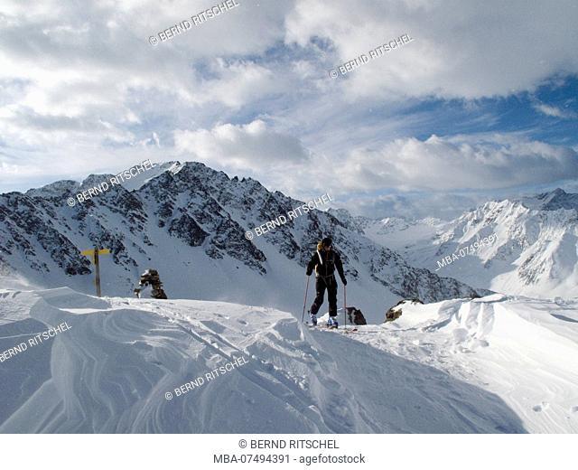 Ski tour to the Finstertaler Scharte, Stubai Alps, Tyrol, Austria