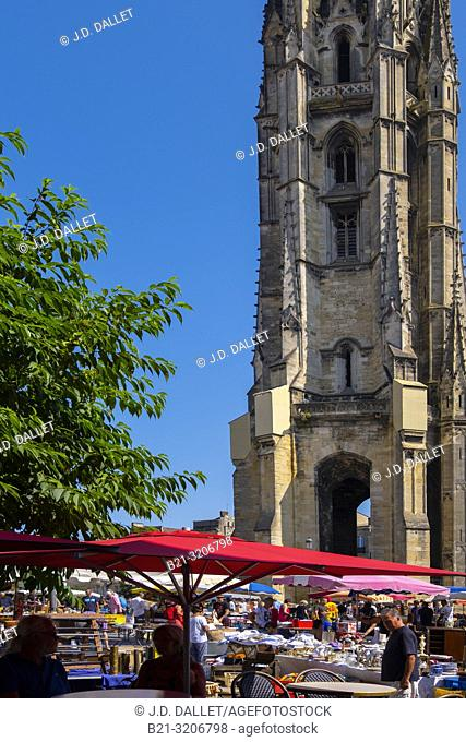 France, Nouvelle Aquitaine, Gironde, sunday morning on Place saint Michel, at Bordeaux