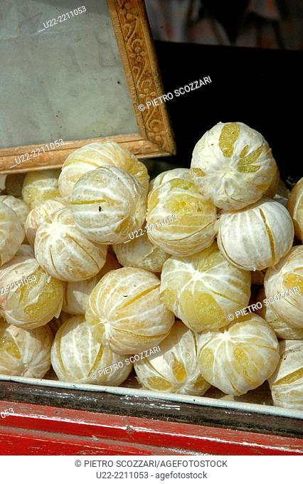 Mapusa, Goa, India: peeled oranges sold at the market