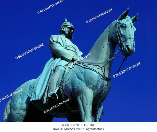 Goslar, Standbild Kaiser Friedrich I. Barbarossa