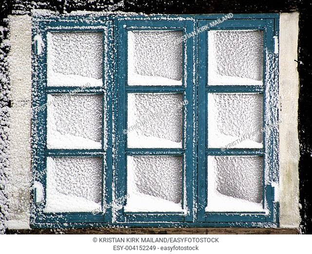 Heavy snowfall block the windows