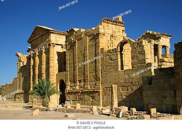 Roman ruins, The Capitol, Sbeitla, Tunisia, North Africa, Africa