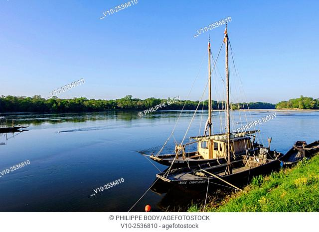 France, Indre et Loire, Loire Valley on World Heritage list of UNESCO, La Chapelle sur Loire, traditional boats