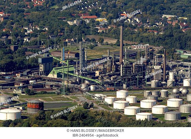 Aerial view, Horst oil refinery, owned by Aral, Gelsenkirchen-Buer, Ruhr area, North Rhine-Westphalia, Germany, Europe
