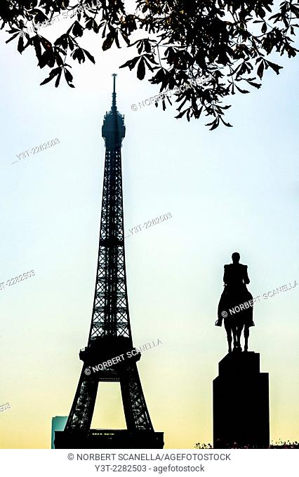 Europe. France. Ile-de-France. Paris. Effel Tower and the equestrian statue of General Foch in the morning