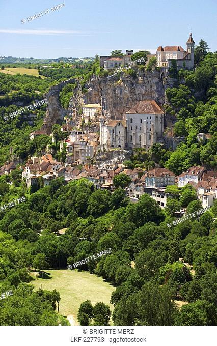View of Rocamadour, The Way of St. James, Roads to Santiago, Chemins de Saint-Jacques, Via Podiensis, Dept. Lot, Region Midi-Pyrenees, France, Europe