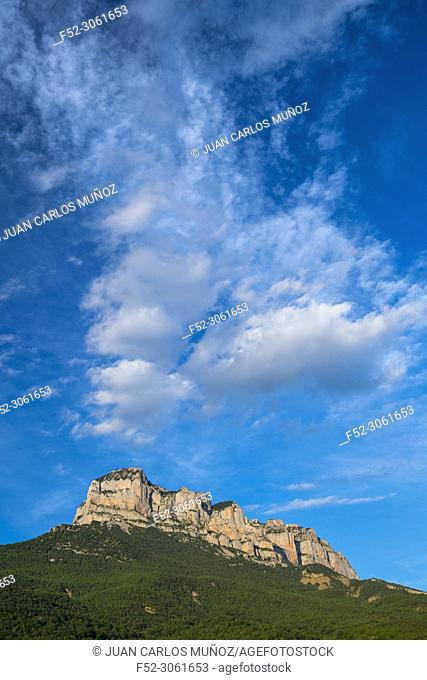 Clouds, Peña Montañesa, Sobrarbe, Huesca, Aragon, Spain, Europe