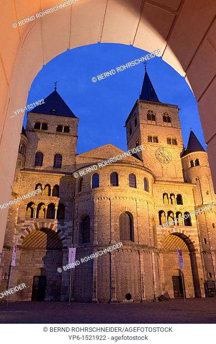 Cathedral of Trier, World Heritage Site, illuminated at night, Trier, Germany